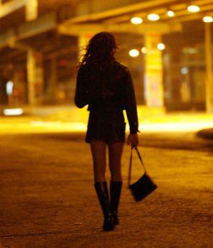 Να αποποινικοποιηθεί η πορνεία, προτείνει η Διεθνής Αμνηστία