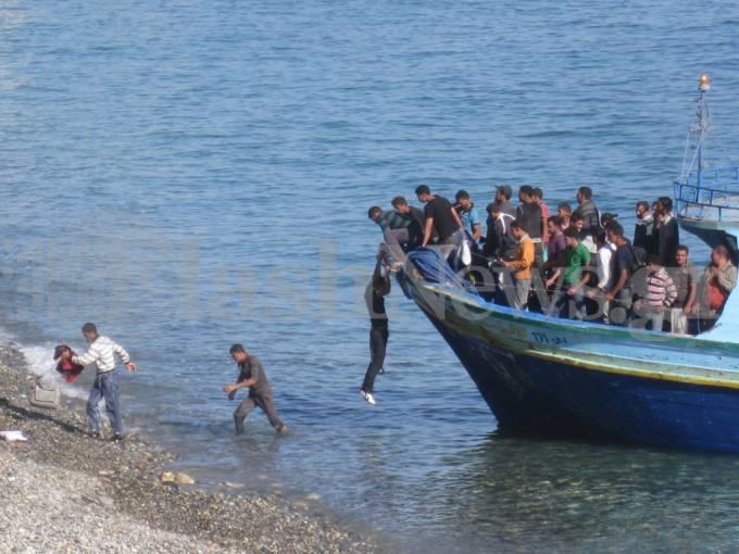 Απαγορεύεται η φυλάκιση λαθρομεταναστών πριν επιχειρηθεί απομάκρυνση