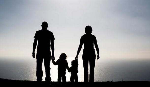Εντός εξαμήνου «ανοίγει» το θέμα της συνεπιμέλειας στα πλαίσια αναμόρφωσης του οικογενειακού δικαίου