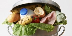 Η Γαλλία απαγορεύει με νόμο την απόρριψη τροφίμων που λήγουν στα Super Markets