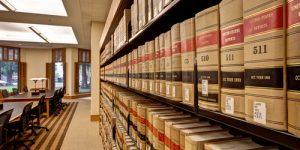 Νομική Δ.Π.Θ. κατά της κατάργησης των λατινικών