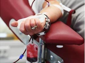 Νόμιμος ο αποκλεισμός ομοφυλοφίλων από αιμοδοσία; Και ναι & όχι…