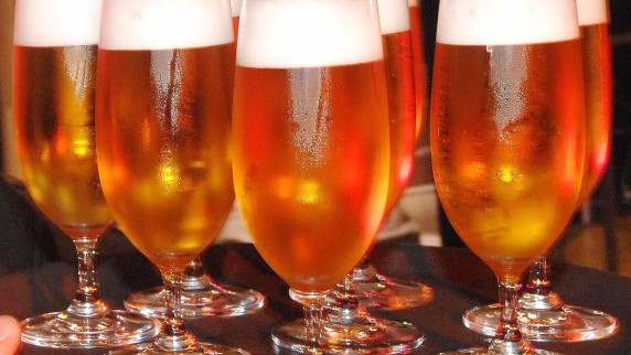 """Αντίκειται στο Κοινοτικό δίκαιο η διαφήμιση μπύρας ως """"θρεπτικής"""""""