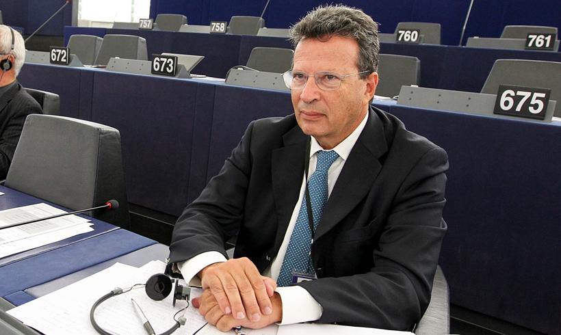 Το Ευρωκοινοβούλιο αίρει την ασυλία των Ευρωβουλευτών Κύρτσου & Κούλογλου