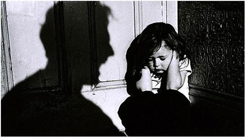 Μελέτη για την καταπολέμηση της βίας εναντίον ανηλίκων από τον Π.Ο.Υ.